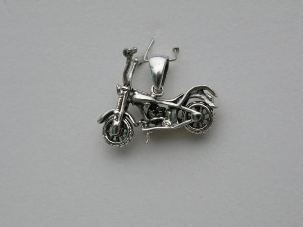 Stříbrný přívěsek motorka Přívěsek motorka 3cm - 6g