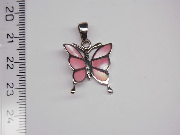 Stříbrný přívěsek - růžová perleť - motýl