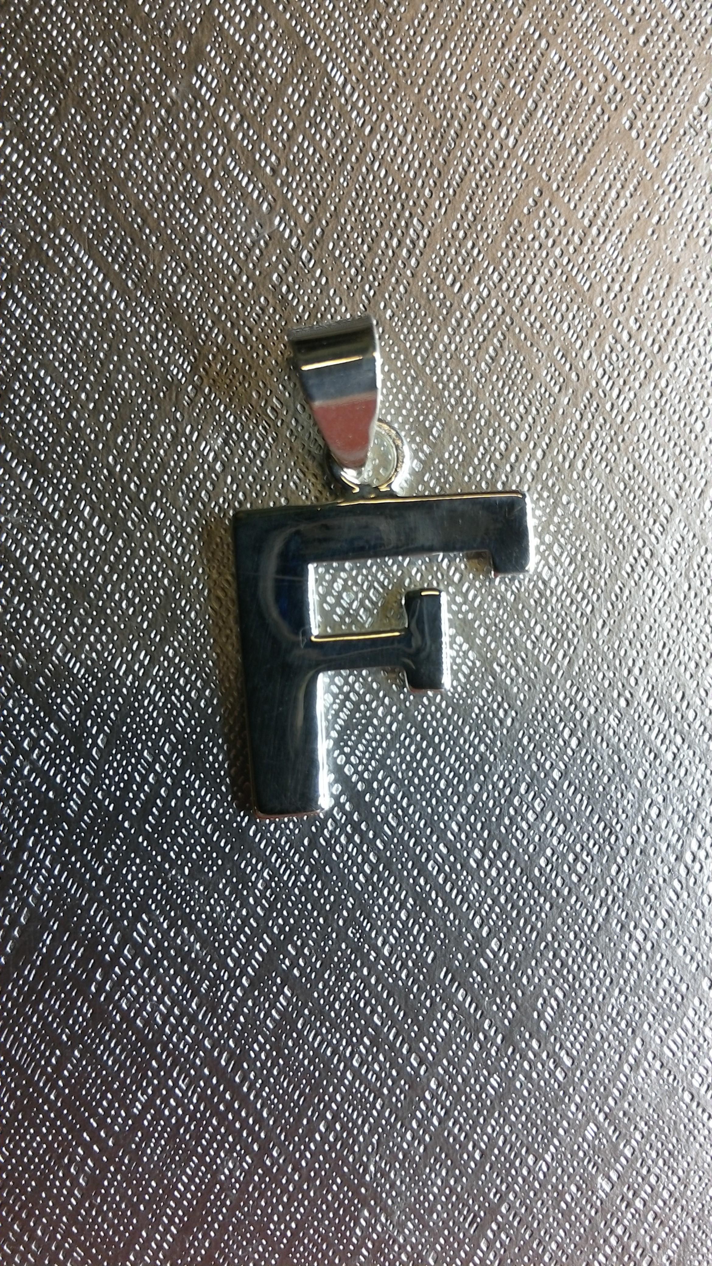 Ag/925 stříbrná písmena - písmenko F písmeno F