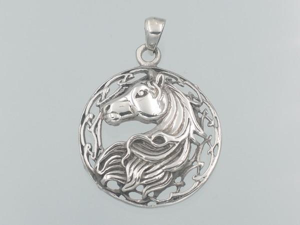 stříbrný přívěsek kůň