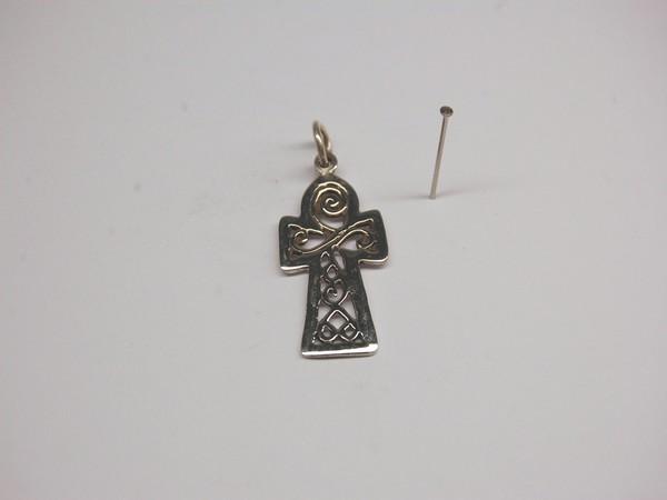 Stříbrný přívěsek kříž egyptský